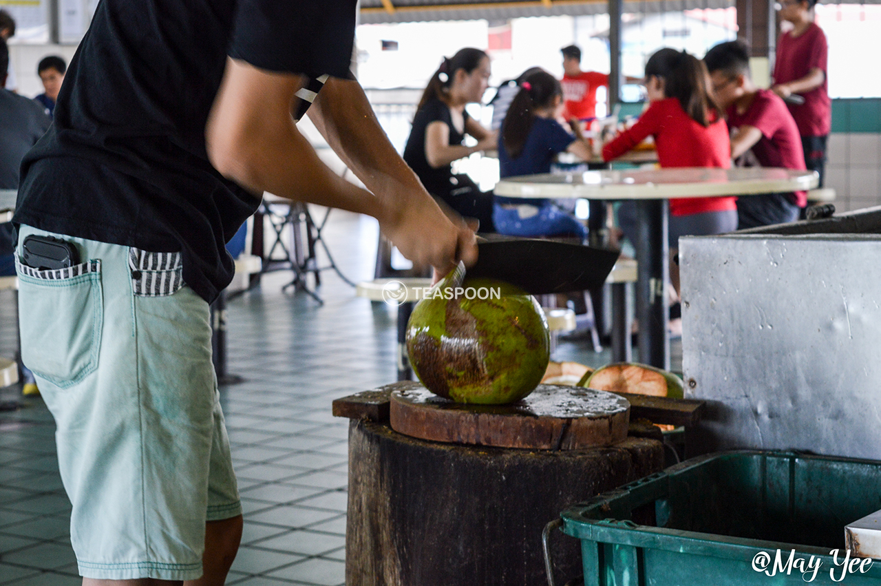 LUNCH Song Kheng Hai MAO ZHONG DRINK STALL COCONUT DRINK MAKING (2)