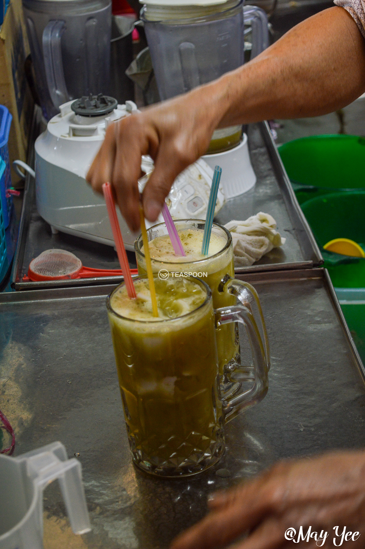 LUNCH Song Kheng Hai MAO ZHONG DRINK STALL SUGARCANE & COCONUT DRINK MAKING (2)