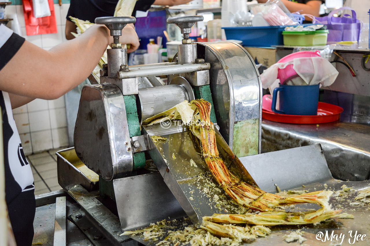 LUNCH Song Kheng Hai MAO ZHONG DRINK STALL SUGARCANE DRINK MAKING