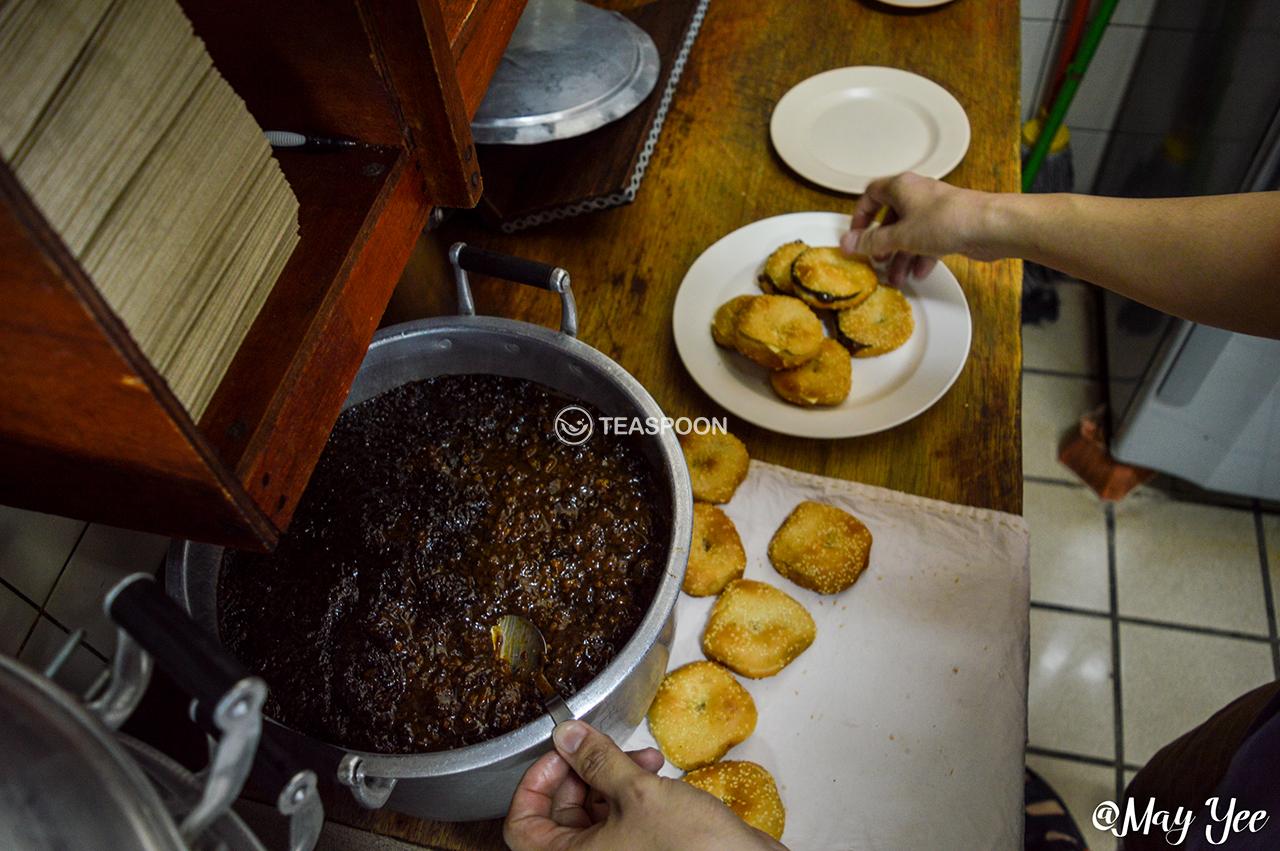 LUNCH Song Kheng Hai RIHGA STALL GONG PIA MAKING (6)