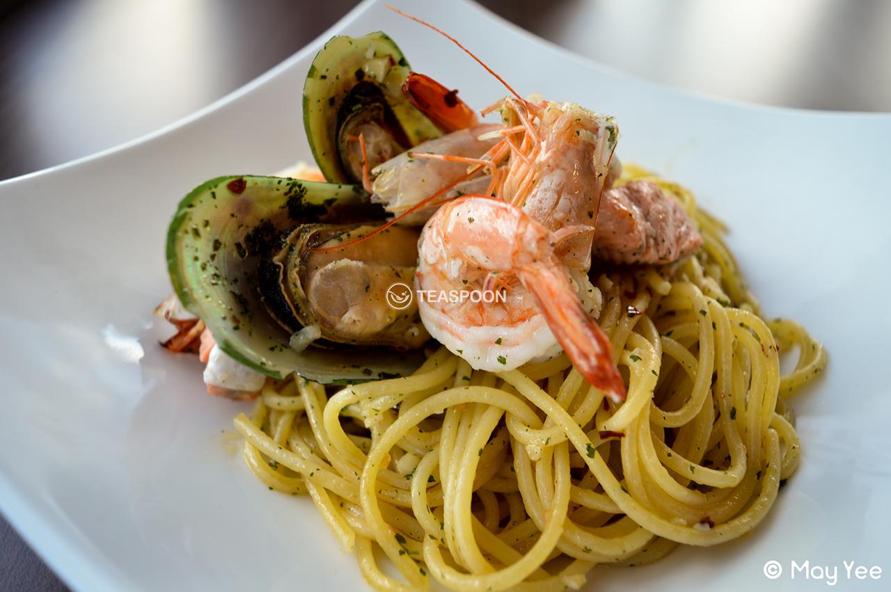 Seafood aglio olio (2)