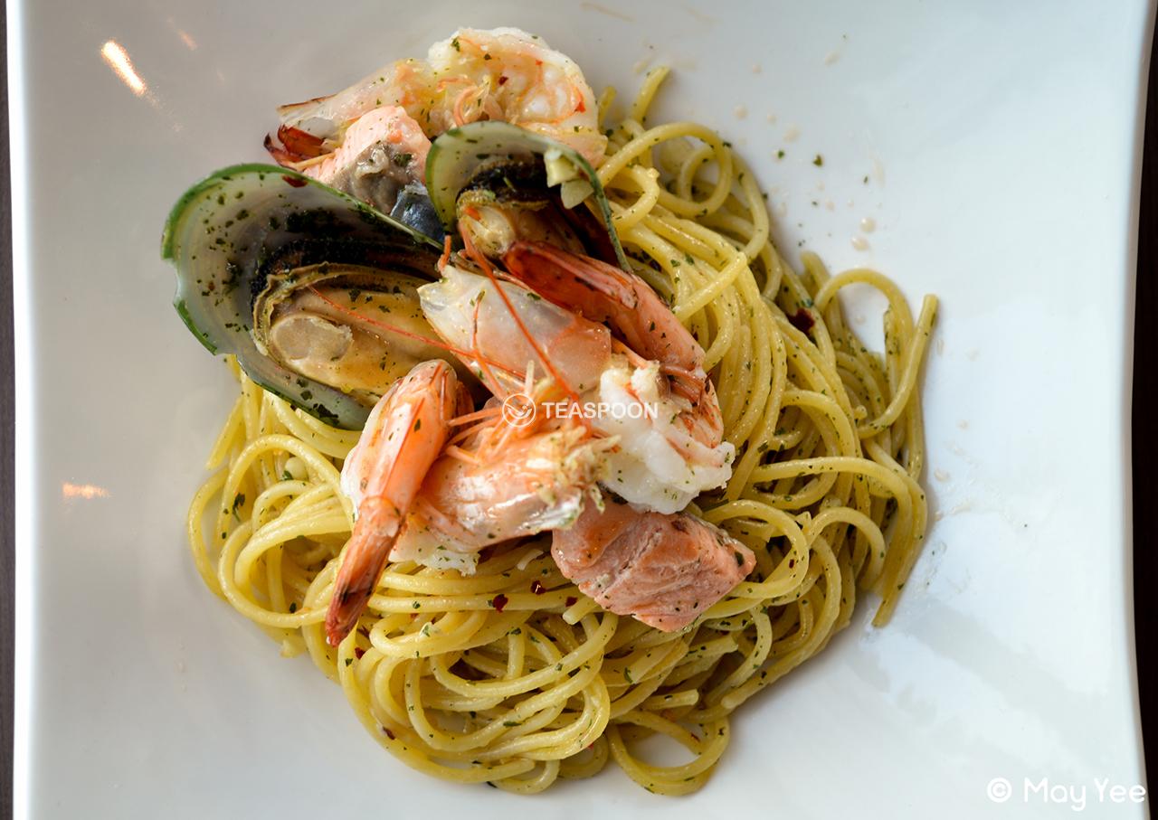 Seafood aglio olio (3)
