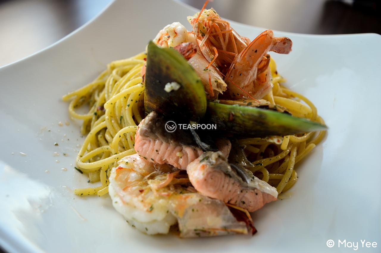 Seafood aglio olio (4)