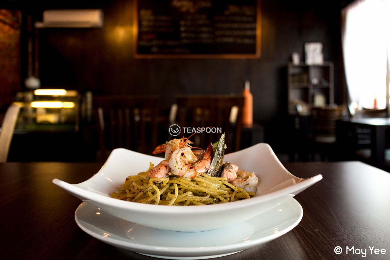 Seafood aglio olio (7)