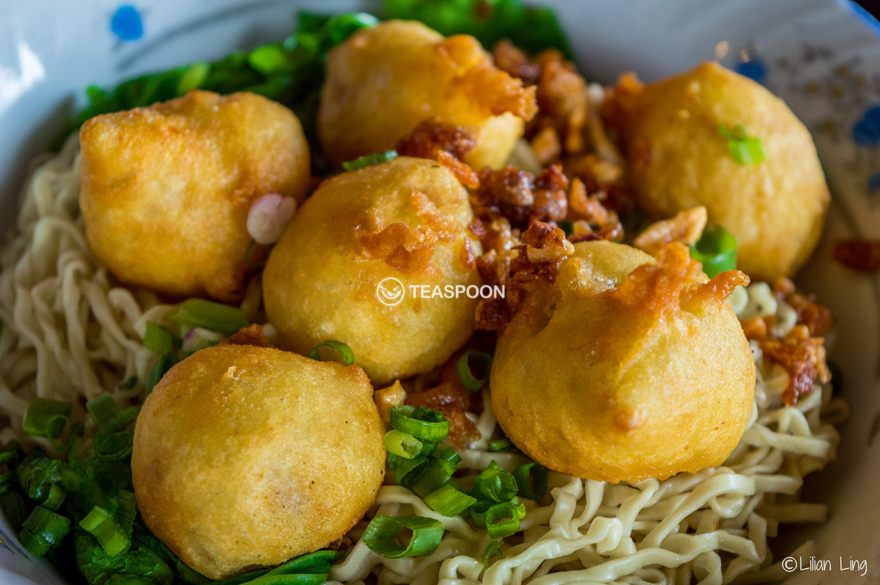 Deep Fried Fish Ball Noodle (2)