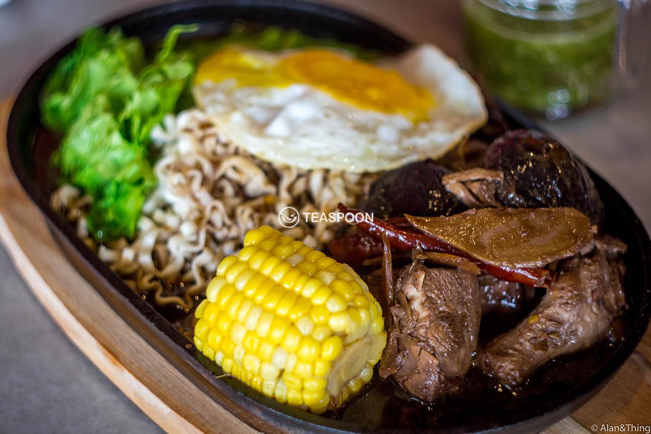 hot-plate-trademark-sizzling-mushroom-chicken-(2)