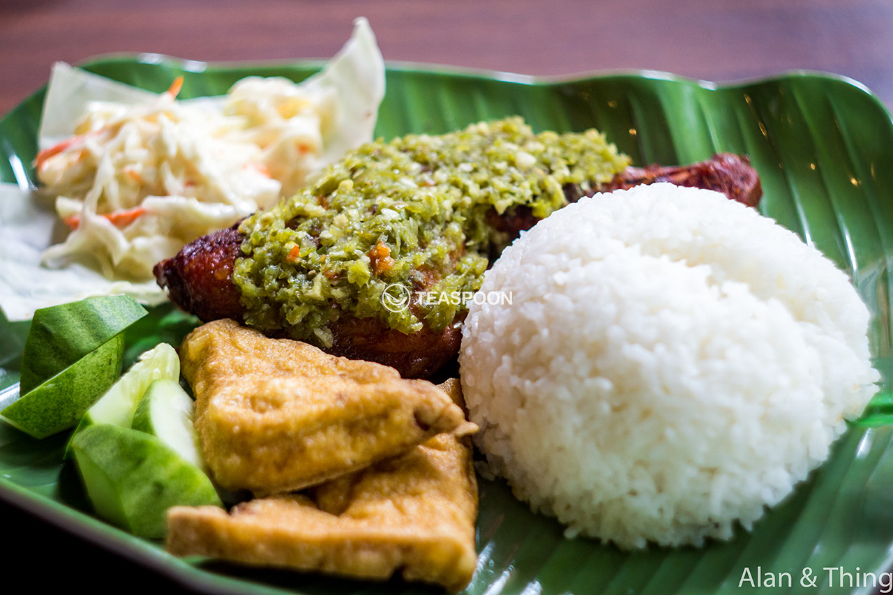 main-dish-ayam-penyet-chimi-churri-(1)