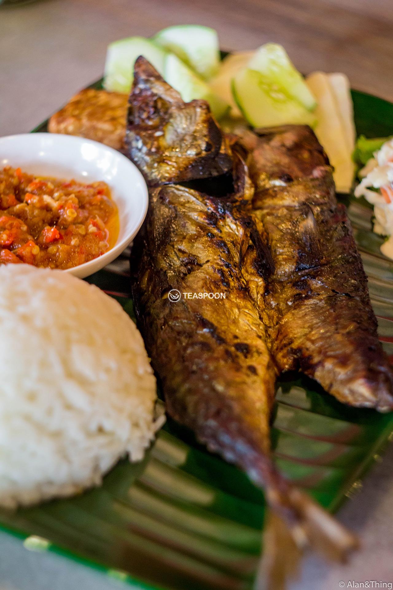 main-dish-ikan-penyet-(1)