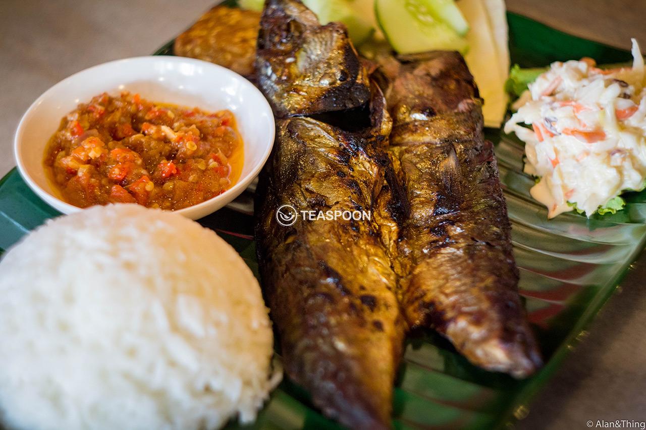main-dish-ikan-penyet-(2)