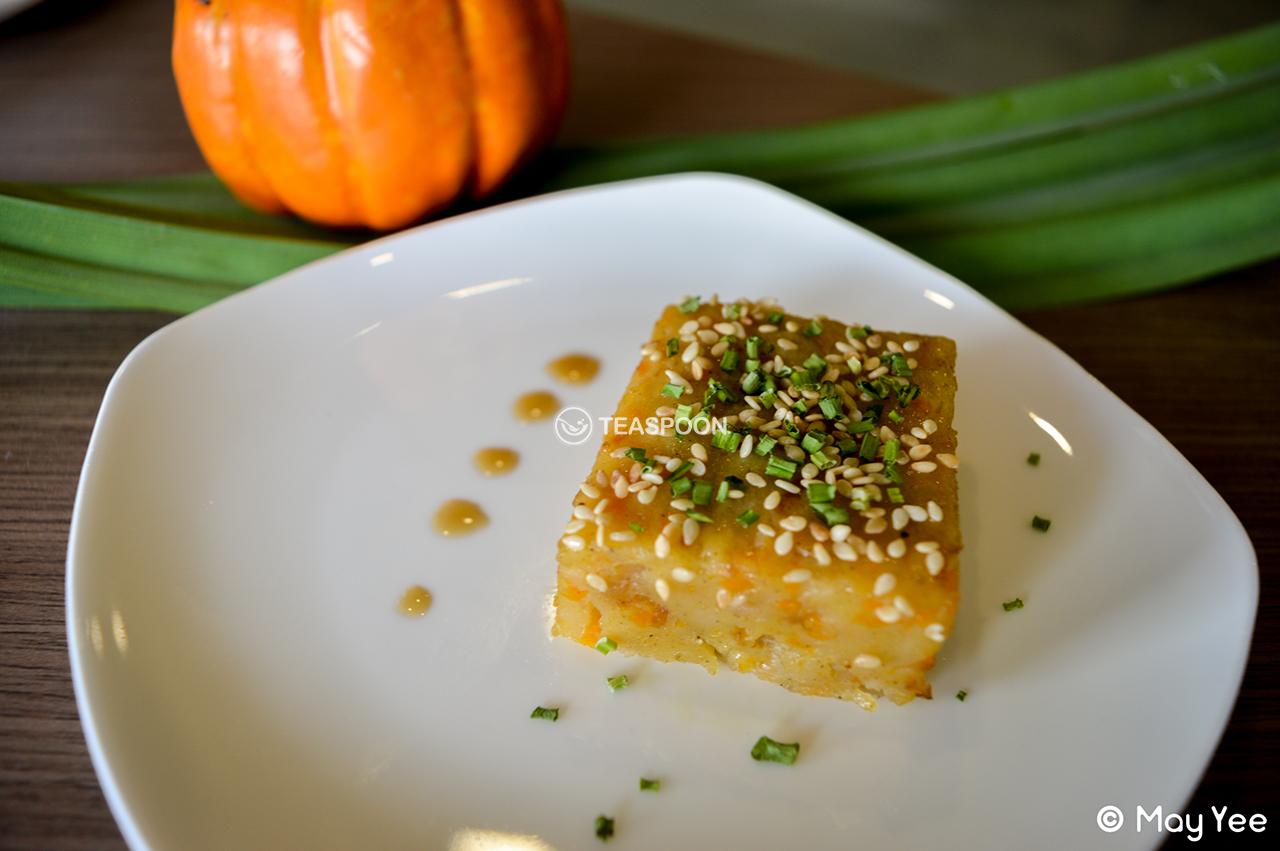 Steam Savory Pumpkin Kueh (2)