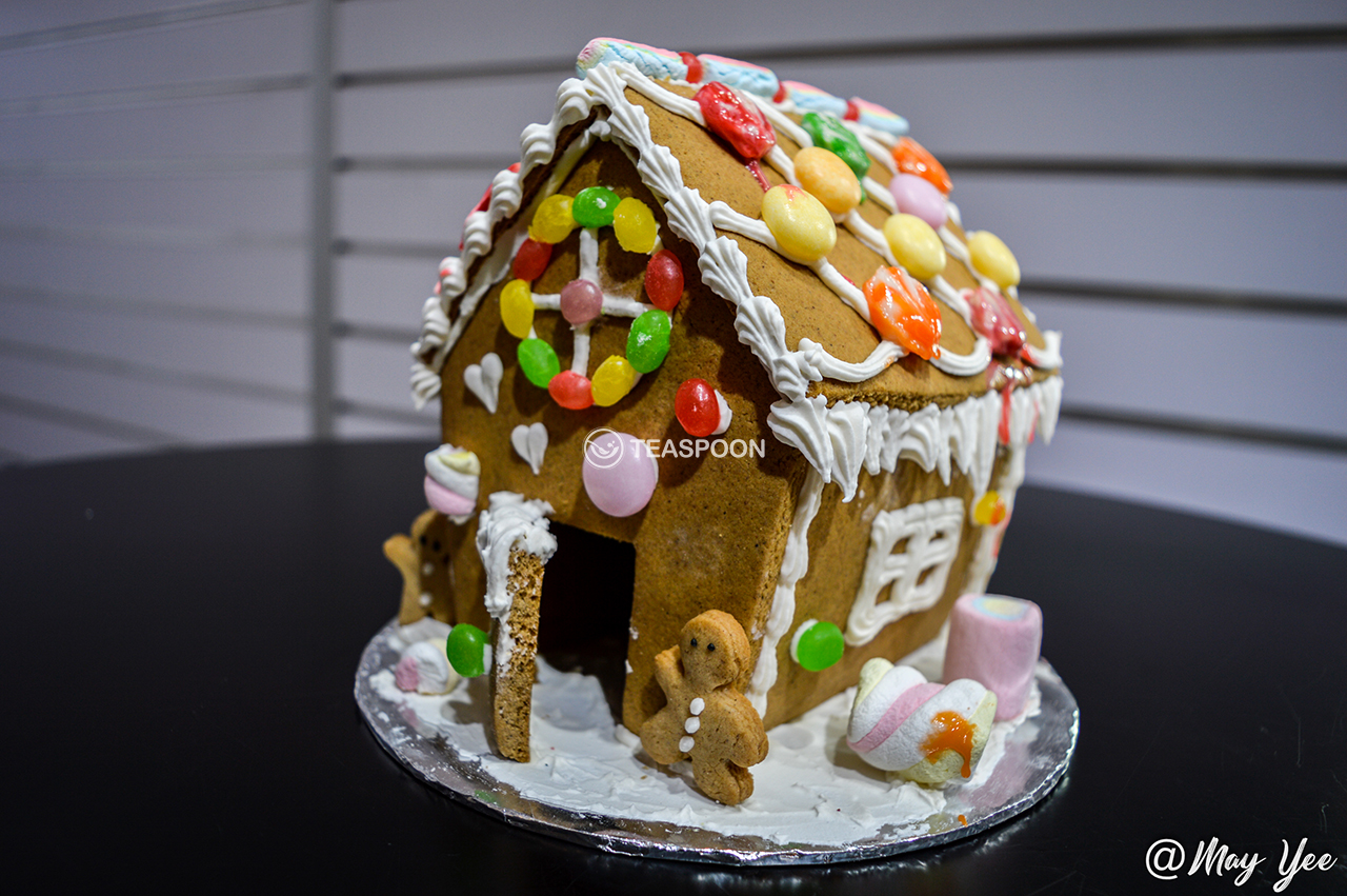 Gingerbread House 1 (2)